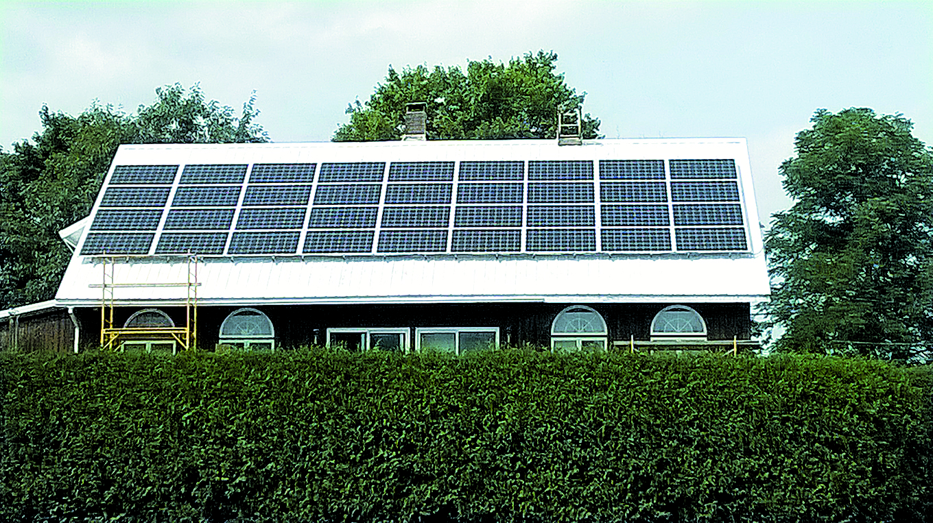 Rooftop solar array at the Anderson residence. Photo courtesy of Revolution Solar.