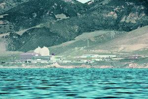 "Diablo Canyon nuclear plant. Photo by ""Mike"" Michael L. Baird. CC BY 2.0."