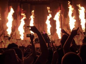DISTURBED — Inside the Fire live. Wikimedia.org